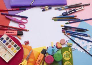 Ventajas de comprar el material escolar en una papelería online